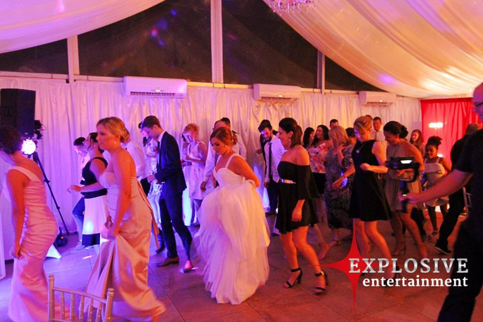 Gold Coast Dj Wedding Venues Hinterland Dj Hire Entertainment